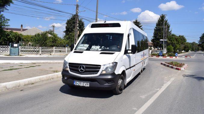 Microbuz de transport în comun în Cumpăna. FOTO Facebook